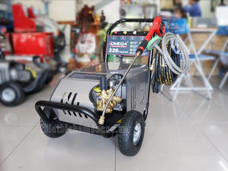 Mẫu máy xịt rửa xe cao áp Omega 150bar 3kw